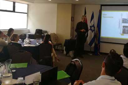 Israel capacitará a emprendedores ticos