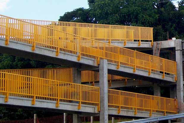 Cableras retrasan la apertura de puente peatonal en La Galera