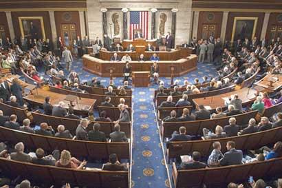 Republicanos evaluarían enfoque híbrido de reforma tributaria