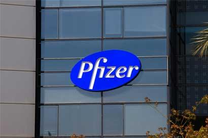 Pfizer evaluaría venta de tratamiento de disfunción eréctil