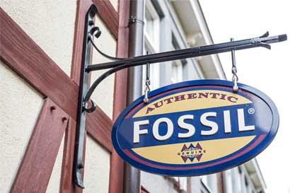 Marca de relojes Fossil se desploma tras augurar futuro sombrío