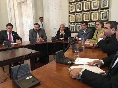 Gobierno propone megaproyecto fiscal