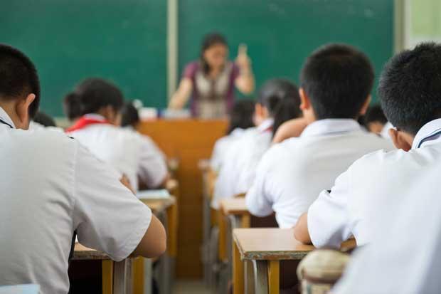 APSE denuncia con documental sobrecarga en funciones de educadores