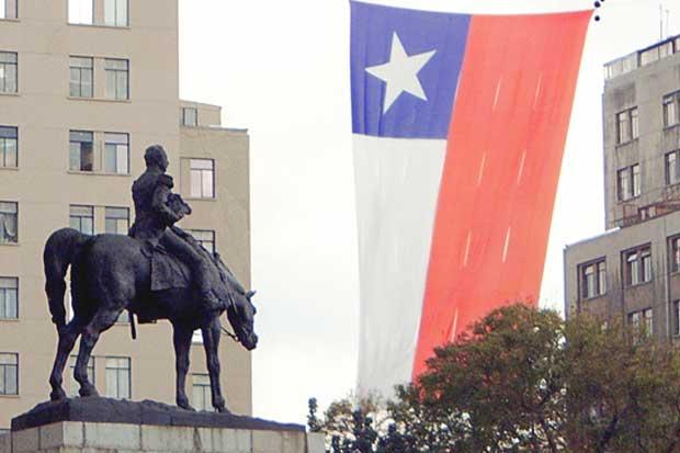 Chile sufre su segunda rebaja de calificación de deuda en un mes
