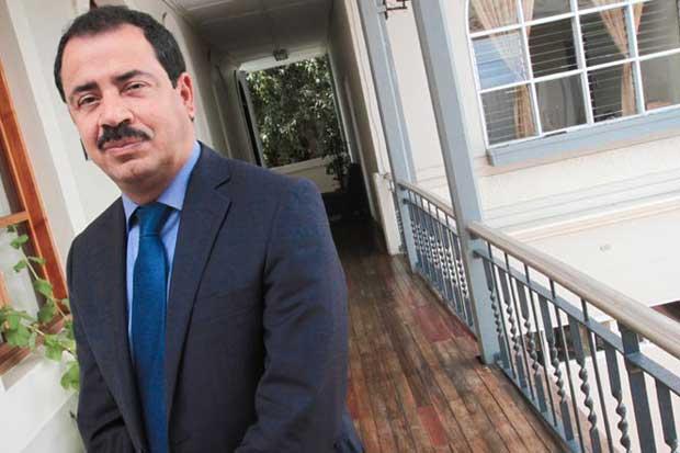 Mario Redondo asume candidatura presidencial