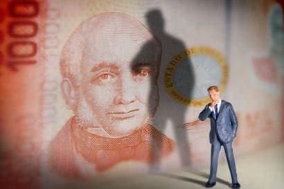 Salarios de burócratas hunden economía