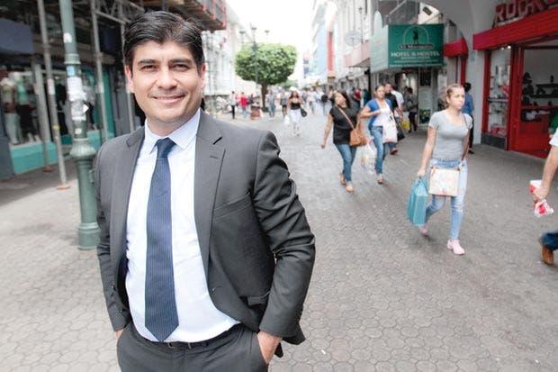 Candidato del PAC pide diálogo para resolver crisis fiscal
