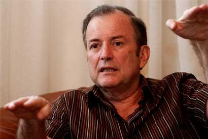 Ottón Solís propone proyecto para transparentar salario del presidente