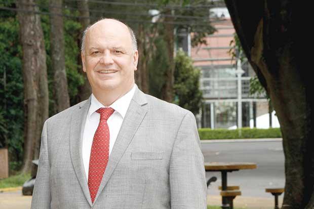 Candidatos exigen control para evitar oligopolio en telecom