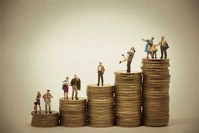 Grupo de ciudadanos presenta acción de inconstitucionalidad contra pensiones de lujo