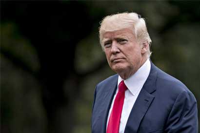 Trump busca recuperarse, retomar inmigración en mitin de Arizona