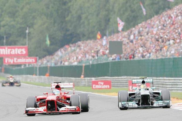Hamilton va por récord de Schumacher