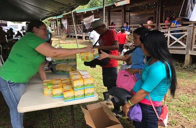 Alianza público- privado beneficia a familias de Talamanca