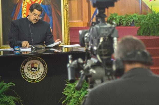 Economía venezolana se desmorona desafiando lógica y sanciones