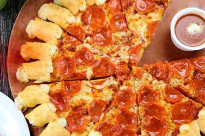 """Pizza Hut hará festival de """"todo lo que pueda comer"""""""