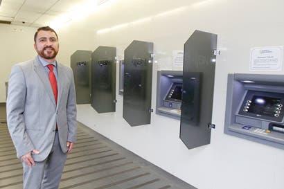 Retire dinero de cajeros automáticos sin una tarjeta