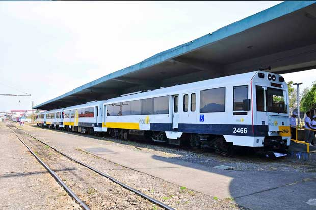 Incofer comprará ocho trenes y planea alianza para tren eléctrico