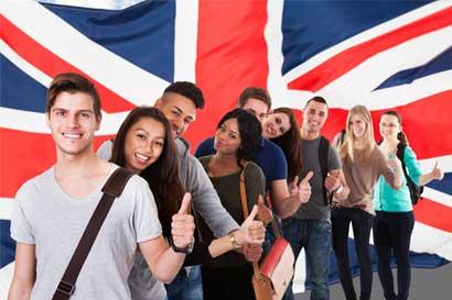 Gobierno del Reino Unido abre concurso para becas universitarias