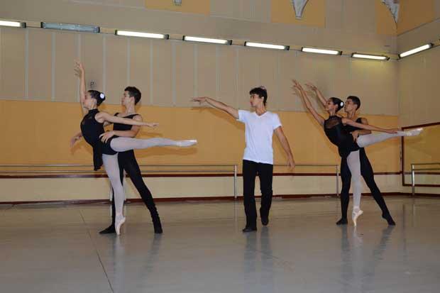 Maestros cubanos impartirán taller en el país