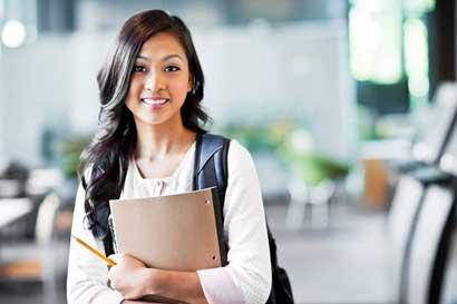 Ticos podrán optar por becas completas para estudiar en EE.UU.