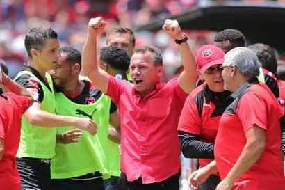 Alajuelense lleva en promedio a 10 mil aficionados por partido al Morera Soto