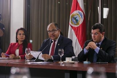 Presidente pide a Víctor Morales que deje su curul