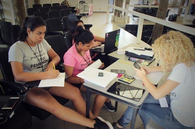 Sulá Batsú abre inscripciones para primera hackatón femenina de la región