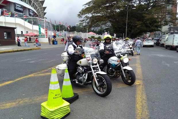 Parqueos cobran ¢10 mil para partido Costa Rica-México