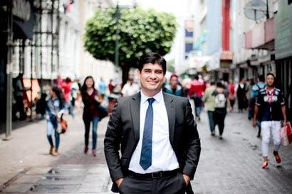Cemento chino sería lápida electoral de Carlos Alvarado