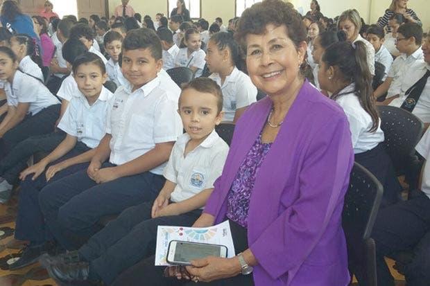 Costa Rica se unió a la lección más grande del mundo