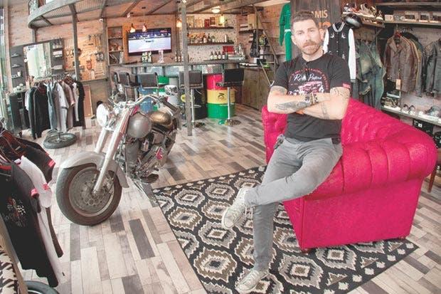 Aramisgarage mezcla el amor por las motos y la cerveza
