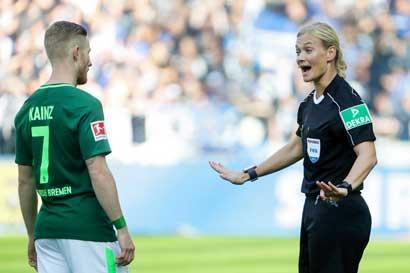 Mujer dirigió por primera vez partido de fútbol en la Bundesliga