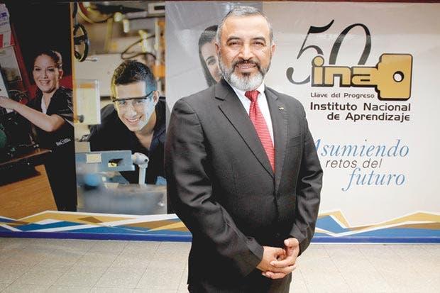 """Minor Rodríguez: """"Estudiantes del INA participarán en Olimpiadas en Abu Dhabi"""""""
