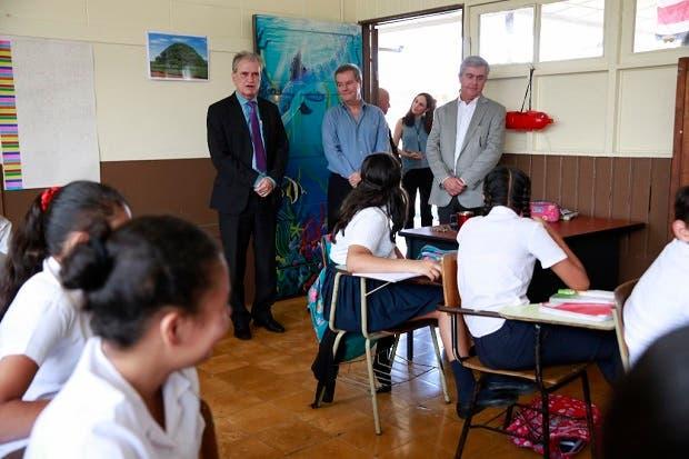 Grupo Danissa mejoró infraestructura en escuela de Hatillo