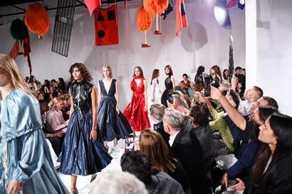 Calvin Klein presentó su colección Primavera 2018
