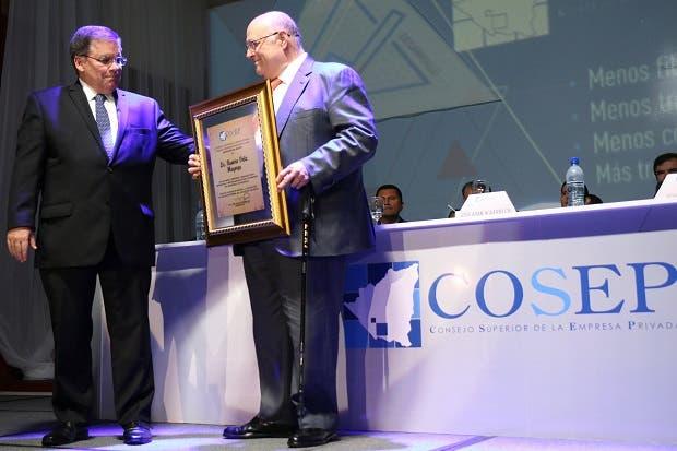 Presidente de Grupo Promerica nombrado empresario del año en Nicaragua