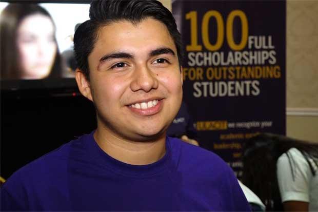 Universidades nacionales van a la caza de estudiantes centroamericanos