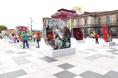 Obras a gran escala se instalan en la Plaza de la Cultura