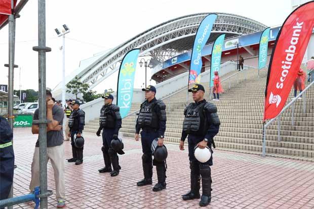 Más equipos se suman a vetar las barras de los estadios