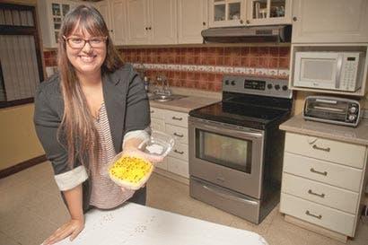 Emprendedora crea cheesecake de Baileys y cerveza artesanal