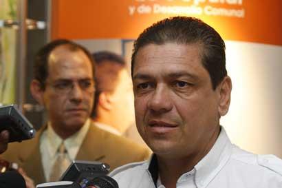 "Expresidente de la CNE sobre empresario: ""en ningún momento beneficié a nadie"""