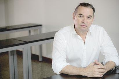 Arismo coloca sus fichas en lista de diputados del PLN