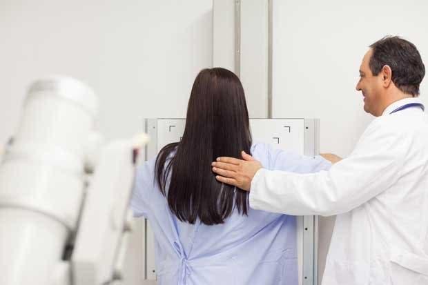 INS donó $10 mil para clínica de detección temprana de cáncer