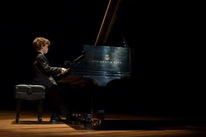 Niños pianistas protagonizan concierto