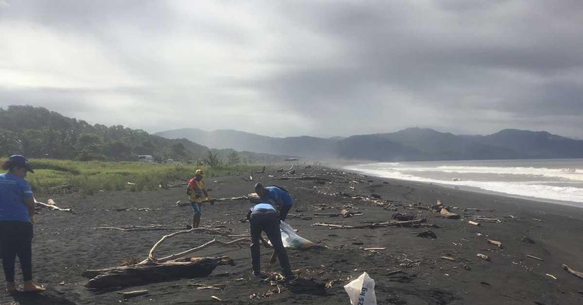 450 voluntarios recolectaron 2.400 kilos residuos en Playa Guacalillo