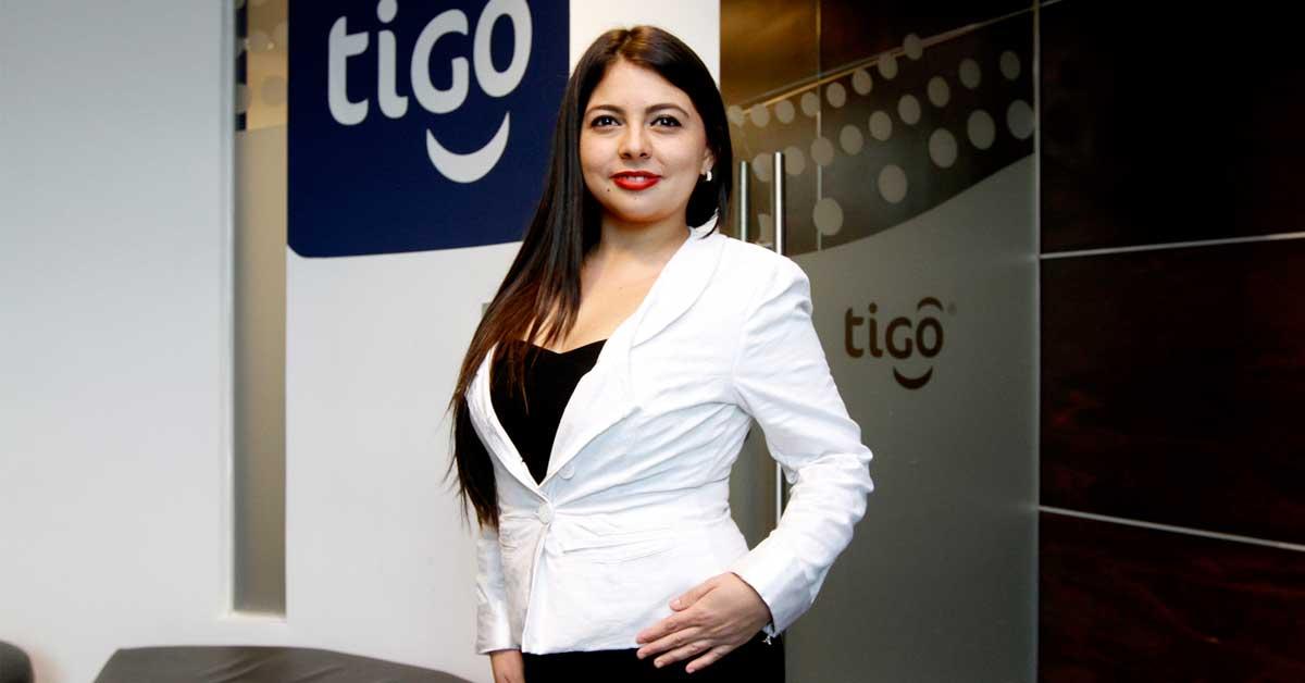 Tica es reconocida por su influencia en Internet a través del proyecto Hyena