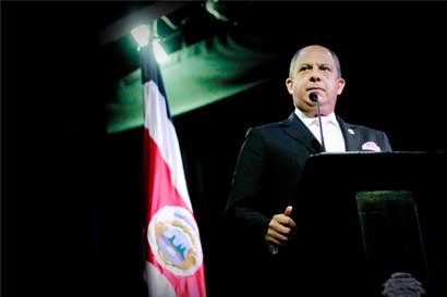 Luis Guillermo Solís solicita renuncia a la Junta Directiva del Banco de Costa Rica