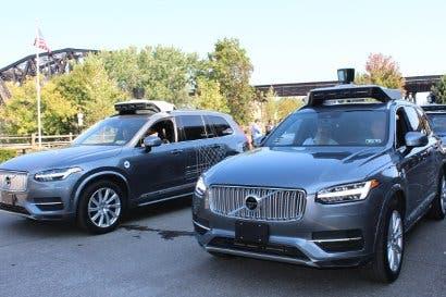 Uber afina detalles de vehículos autónomos