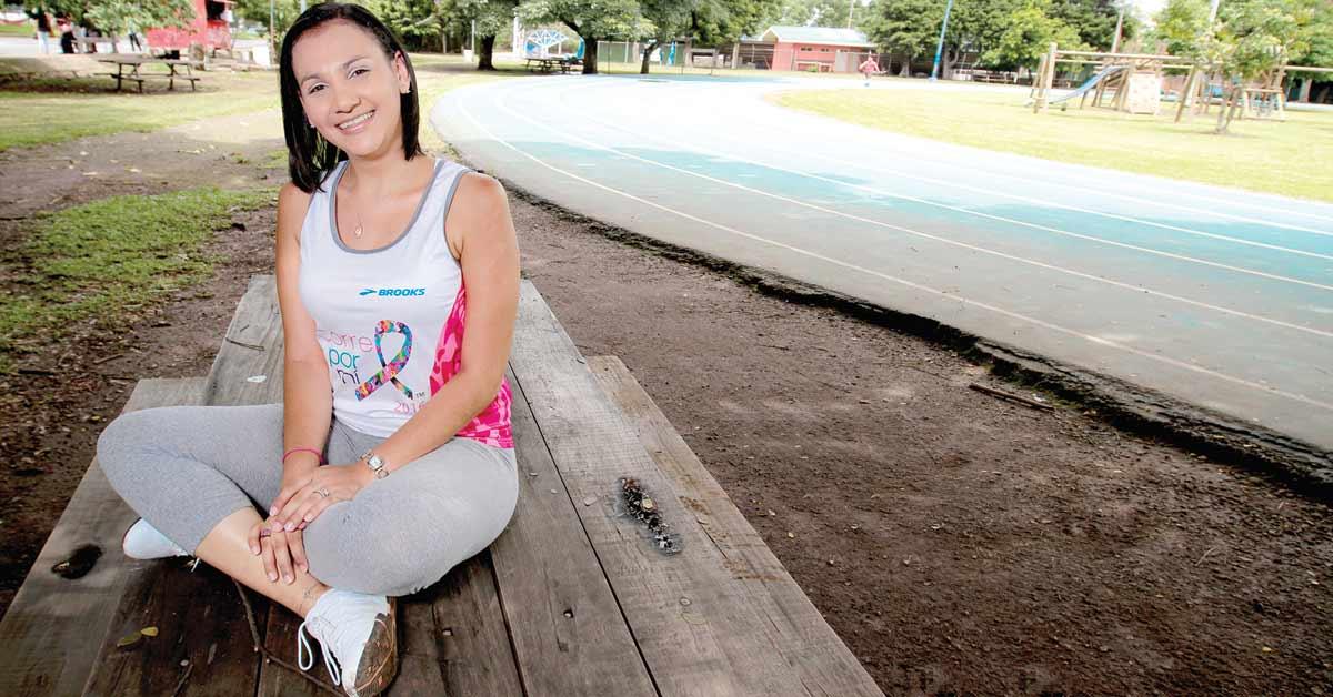 Cáncer de mama no es obstáculo para corredora