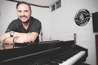 Emprendedor tico encontró en la música el éxito de su negocio
